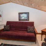 Couloir loft with queen futon